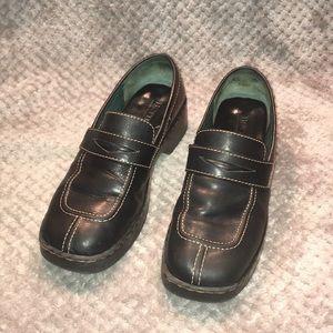 BORN Split Toe Black Penny Loafers Sz 8